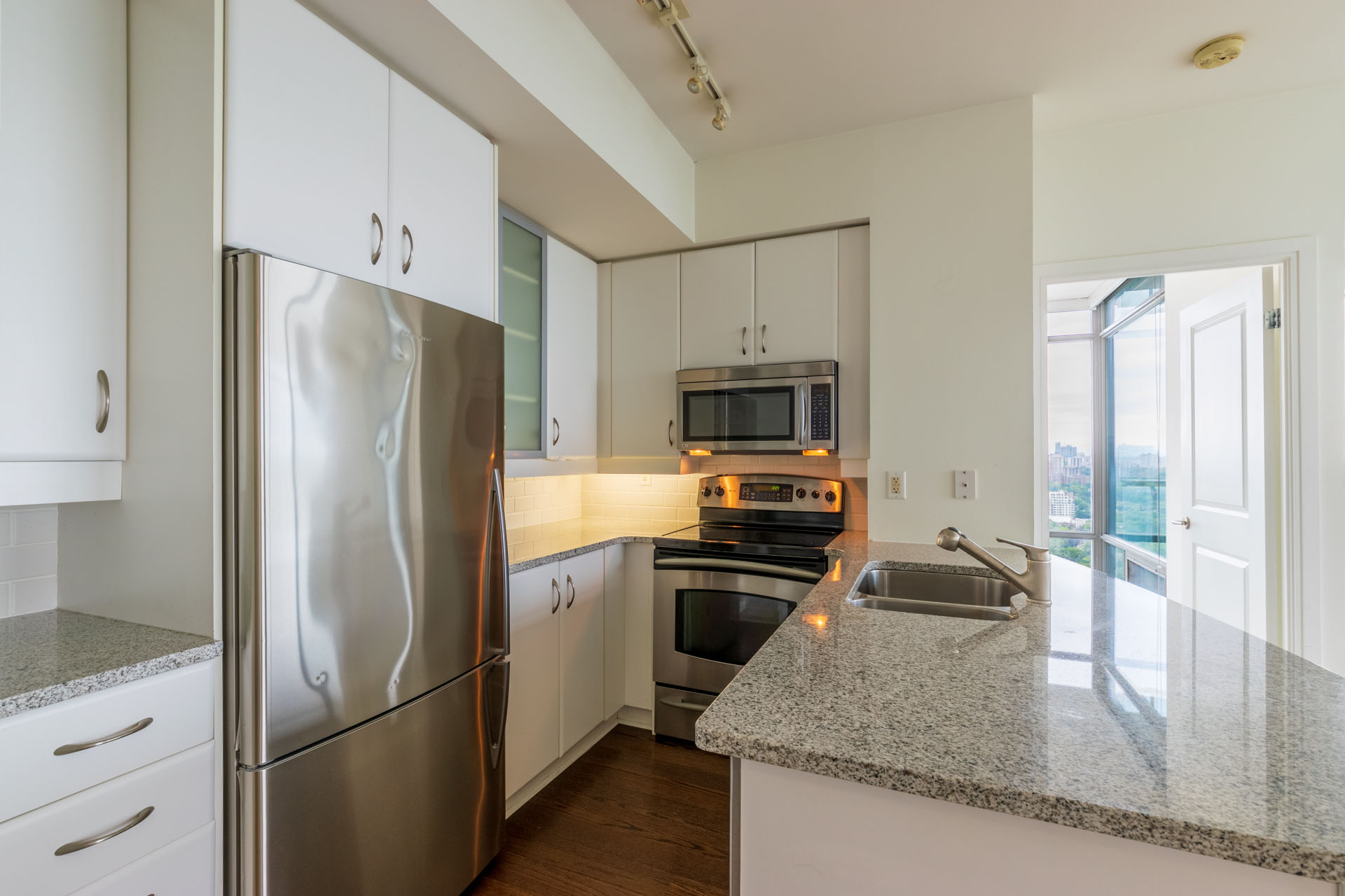 Suite for Rent in Downtown Toronto, Kitchen, Stainless Steel Appliances
