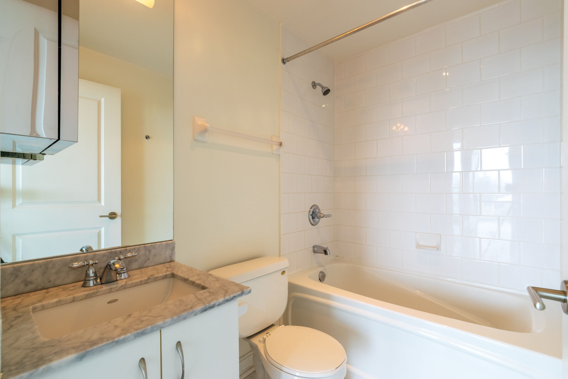 Suite for Rent in Downtown Toronto. Washroom, Large bathtub