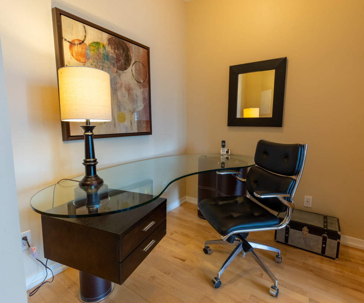 Suite for Rent at Maple Leaf Square Downtown Toronto, Den Office