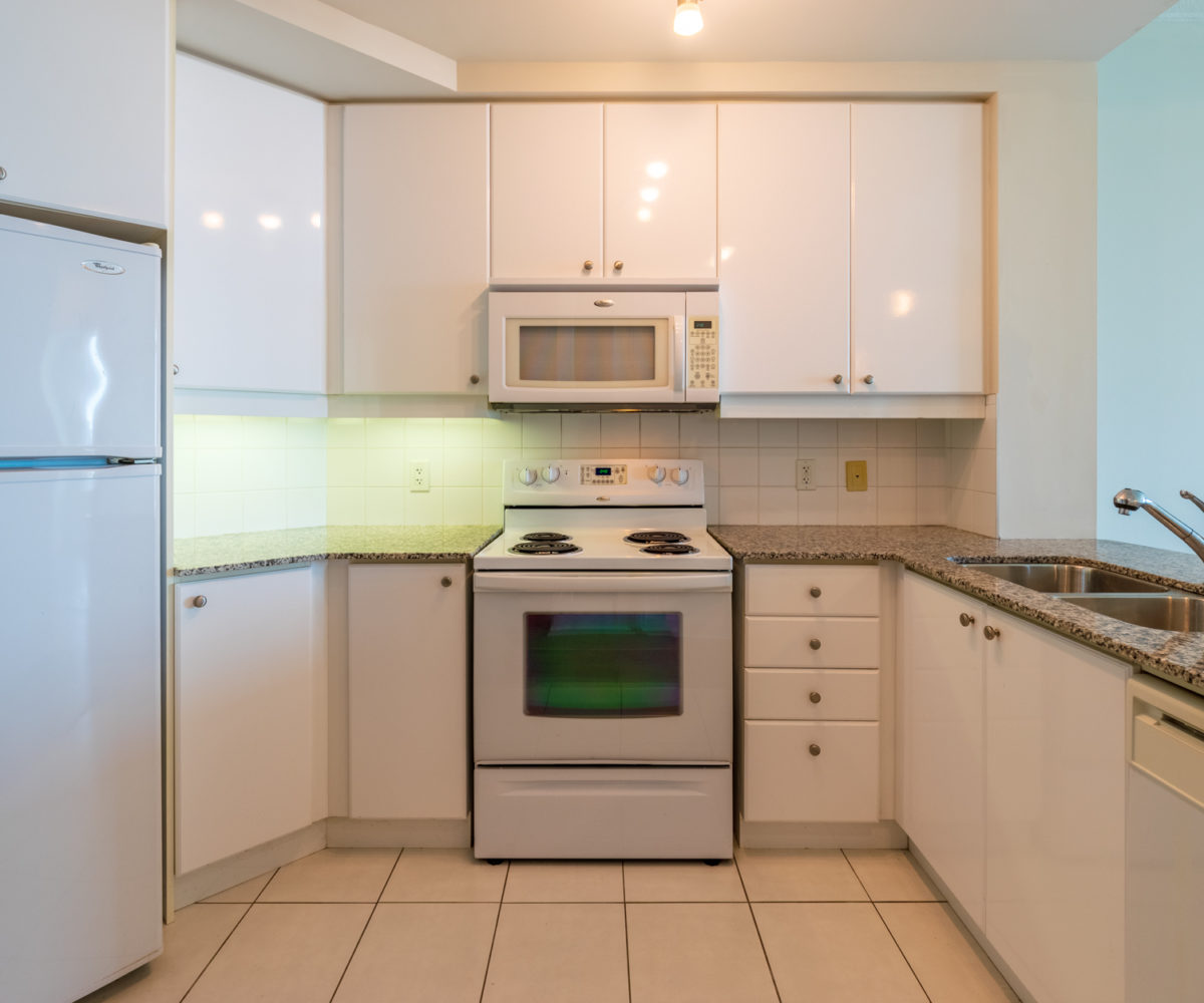 Mississauga Apartment for Rent at 90 Absolute Kitchen Front Stainless Steel Appliances