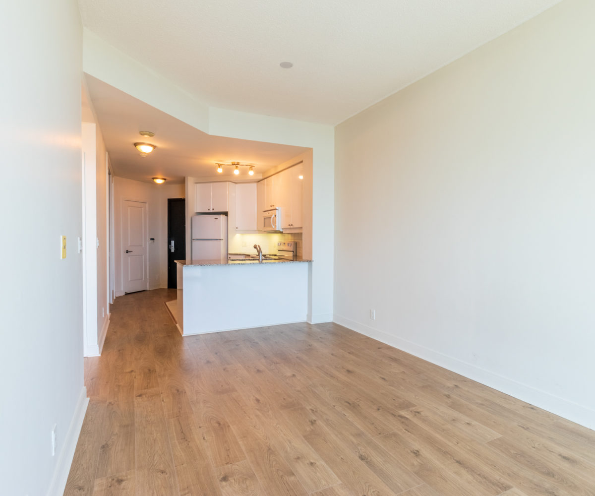 Mississauga Apartment for Rent at 90 Absolute Kitchen Suite Entrance Laminated Floor