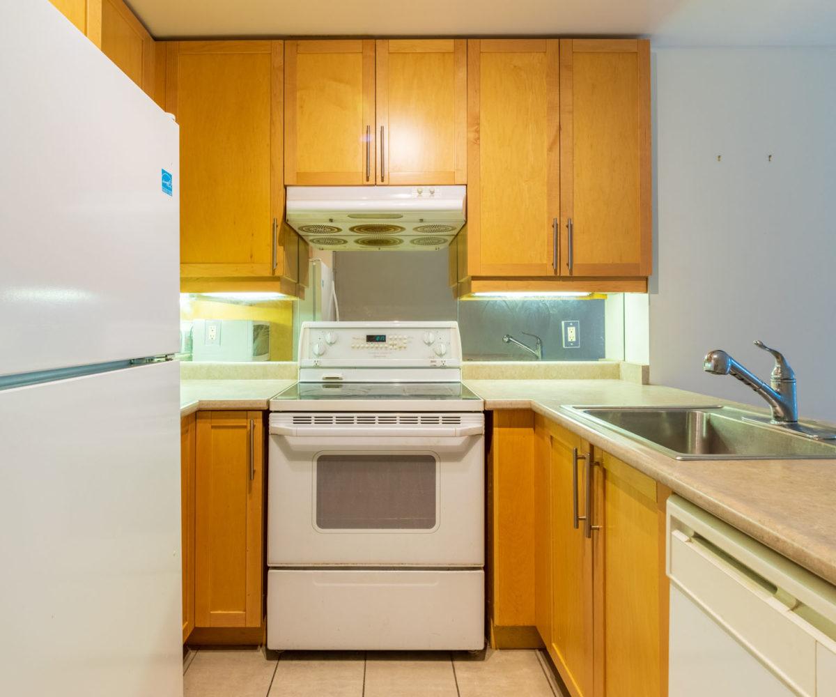 Affordable suite at Elev'n Residences. Rental at Toronto, Ontario. Kitchen