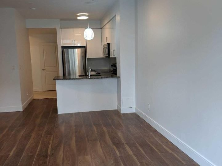 Today Living Group- Yorkville one-bedroom+den