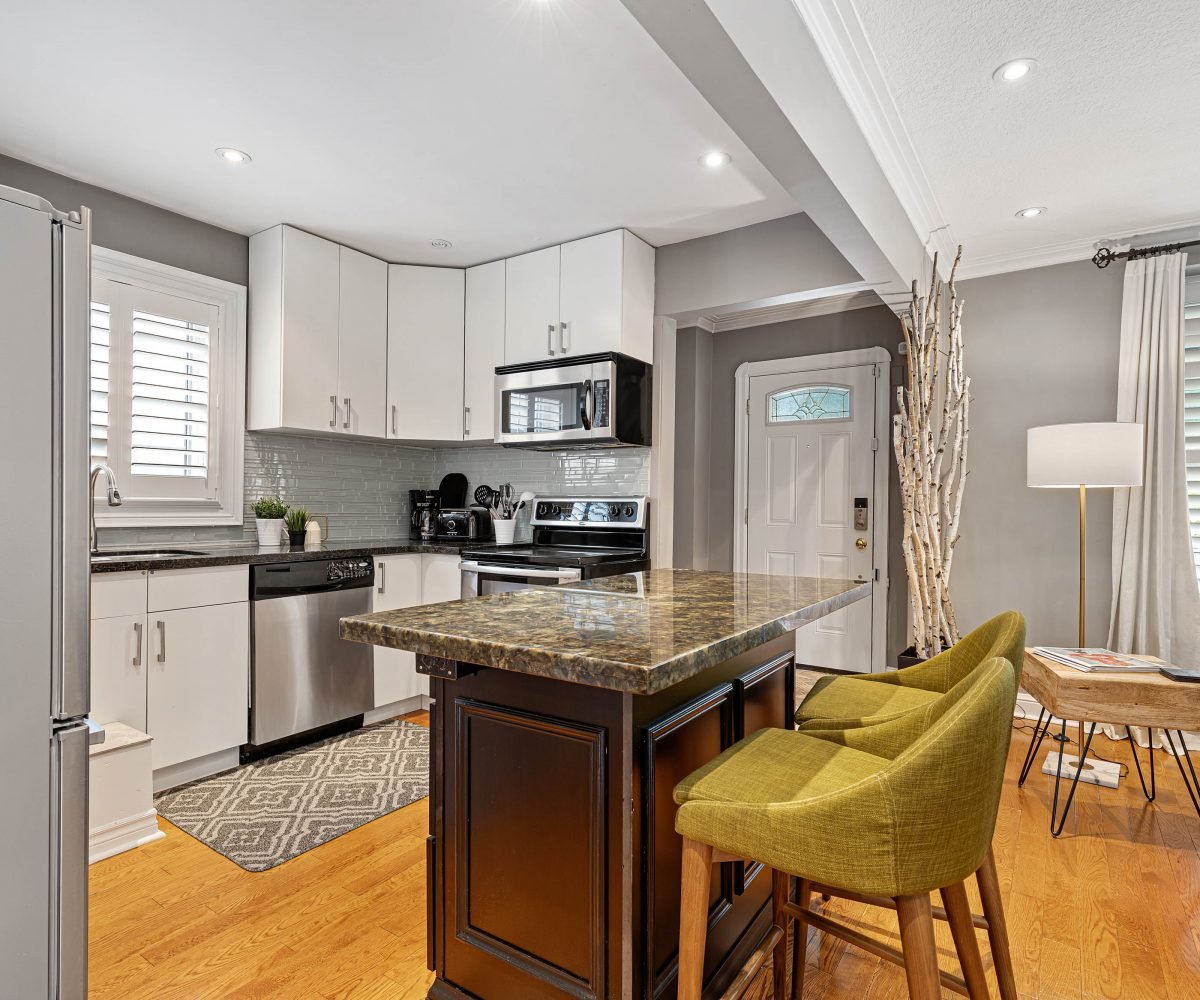 Today Living Group is offering this Toronto Furnished Home For Rent
